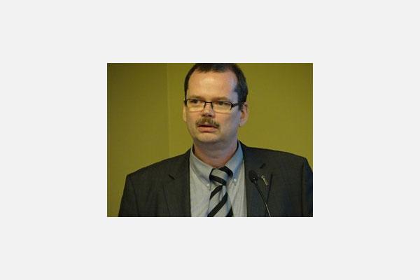 Mr. Prof. Dr. Mathias Nowottnick presenting at SMTA